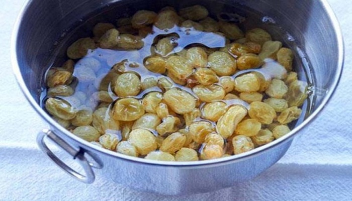 beneifts of raisins