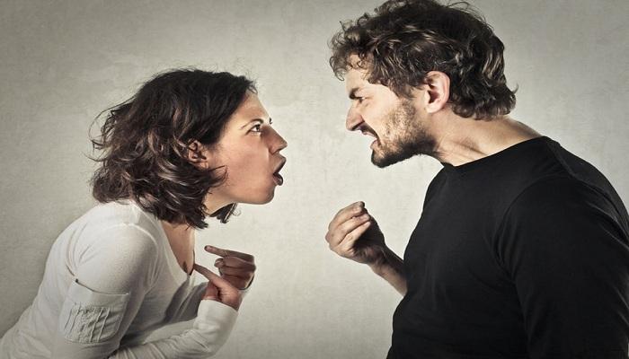 पति-पत्नी में नहीं है प्यार