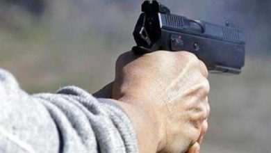शिक्षक को गोली मारी