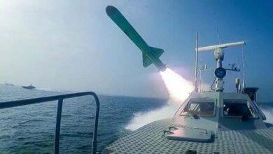 समुद्र में ईरान ने दागी मिसाइलें