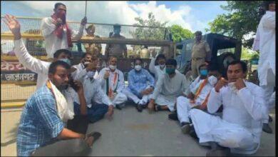 दलित प्रधान की हत्या पर राजनीति गर्म