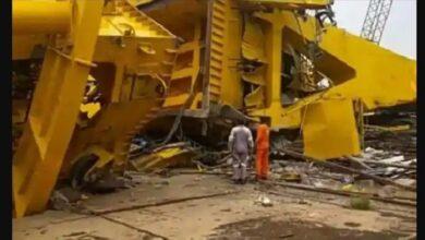 विशाखापट्टनम में क्रेन गिरने से 10 की मौत
