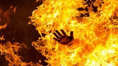 युवक को जिंदा जलाया