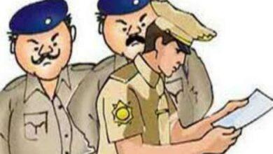 गिरफ्तार रेशम निदेशालय का बाबू