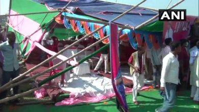 जन अधिकार पार्टी के नेता पप्पू यादव का मंच ढहा Jan Adhikar Party leader Pappu Yadav demolishes stage