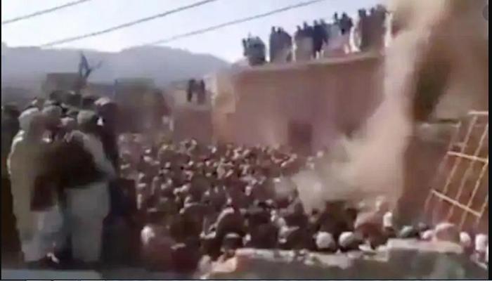 Crowd demolishes Hindu temple