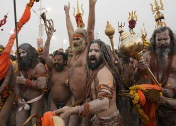 Let's know about the prosperous world of Naga Sadhus