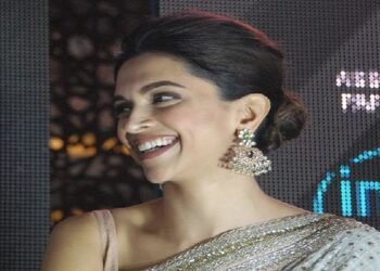 Actress Deepika Padukone in the grip of Corona, quarantined herself