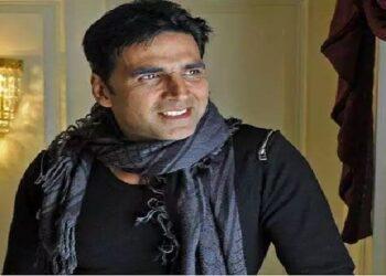 Akshay Kumar impressed by Fan's hard work of 3 years