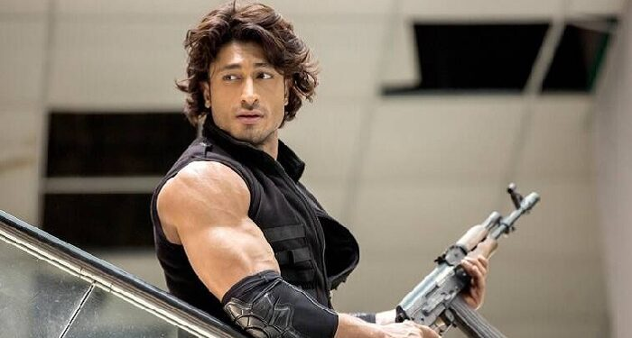 Actor Vidyut Jamwal also came forward in the battle of Corona