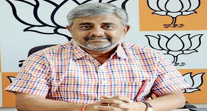 BJP spokesperson Manoj Mishra dies