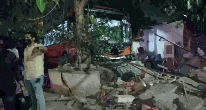 delhi accident