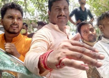 Fight between farmers and BJP workers,