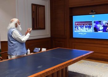 PM Modi applauded