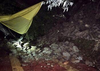 Raj Bhavan road collapsed